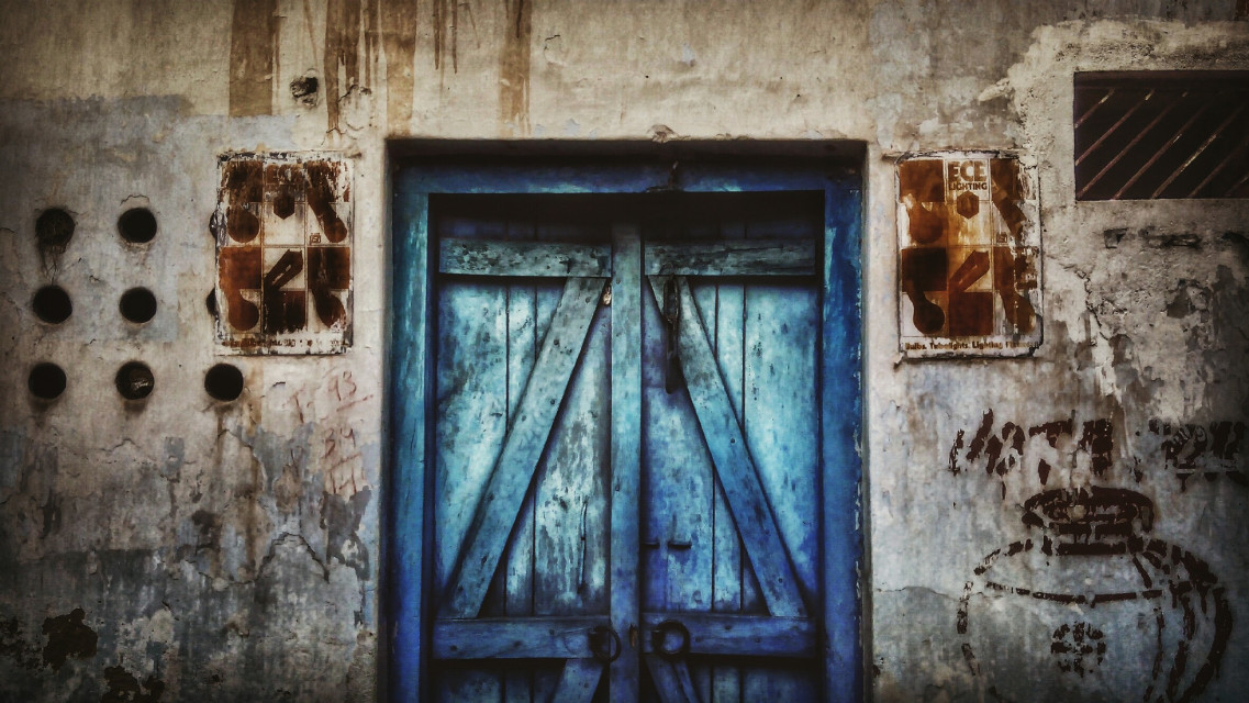 #Frames Doors and Walls #photography  #vintage  #travel  #colorful  #colorsplash  #oldphoto  #street #_soi #stories #stretphotography
