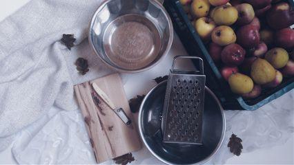 baking apple pie loveit rustic